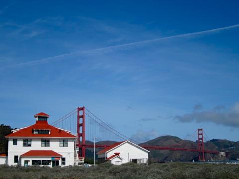 Photo : Promenade de Crissy Field avec vue sur le pont du Golden Gate