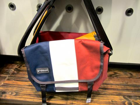Photo : sacs fabriqués à San Francisco avec drapeau français